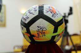 FLC đấu giá thành công món quà U23 tặng Thủ tướng với giá 20 tỷ đồng