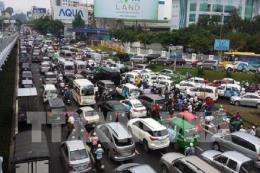 Người dân bắt đầu đổ về Tp. Hồ Chí Minh trong ngày mùng 5 Tết