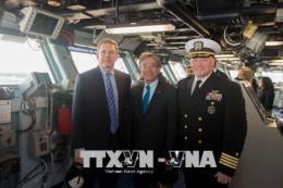 Đại sứ Việt Nam tại Mỹ Phạm Quang Vinh thăm Norfolk và tàu sân bay USS George H.W. Bush