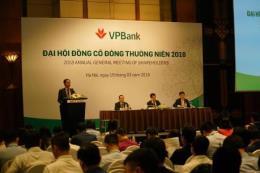"""Đại hội cổ đông ngân hàng VPBank: Nhiều câu hỏi xoay quanh """"con gà đẻ trứng vàng"""" FECredit"""