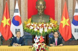 Chủ tịch nước Trần Đại Quang và Tổng thống Hàn Quốc Moon Jae-in chủ trì họp báo