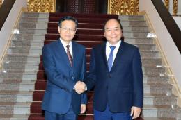 Thủ tướng Nguyễn Xuân Phúc tiếp Chủ tịch tỉnh Quảng Tây, Trung Quốc