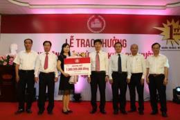 Agribank trao giải đặc biệt cho khách hàng gửi Tiết kiệm dự thưởng mừng 30 năm thành lập