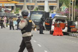 Loạt vụ đánh bom ở Indonesia: ASEAN ra tuyên bố lên án