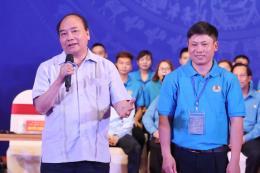 Thủ tướng đối thoại với công nhân các khu công nghiệp vùng Đồng bằng sông Hồng