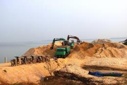 Xử lý nghiêm các tổ chức, cá nhân sai phạm trong khai thác cát lòng hồ Dầu Tiếng