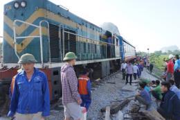 Thông tuyến đường sắt Thống nhất sau vụ tai nạn tại Thanh Hóa