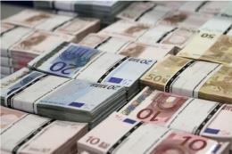 Đồng euro tiếp tục mất giá sau thông báo của ECB