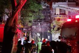 Tp Hồ Chí Minh: Hơn 130 lính cứu hỏa dập tắt đám cháy trên đường Hải Thượng Lãn Ông