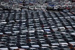 EU cảnh báo sẵn sàng đáp trả thuế ô tô của Mỹ