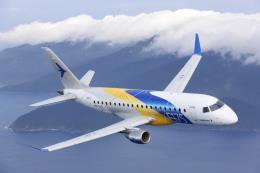 Tập đoàn Embraer bán 25 máy bay cho United Airlines