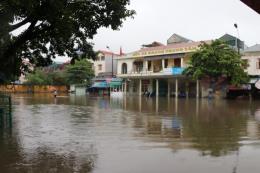 Khắc phục thiệt hại do ảnh hưởng của bão số 3 ở Hòa Bình