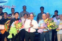 """Thủ tướng Nguyễn Xuân Phúc tham dự Chương trình """"Những đóa hoa bất tử"""""""