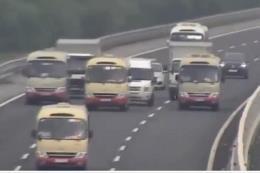 Xử lý nghiêm xe khách dàn hàng ngang lưu thông trên cao tốc Hà Nội - Hải Phòng