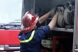 Cháy quán bia trên đường Nguyễn Hữu Thọ, một người thiệt mạng
