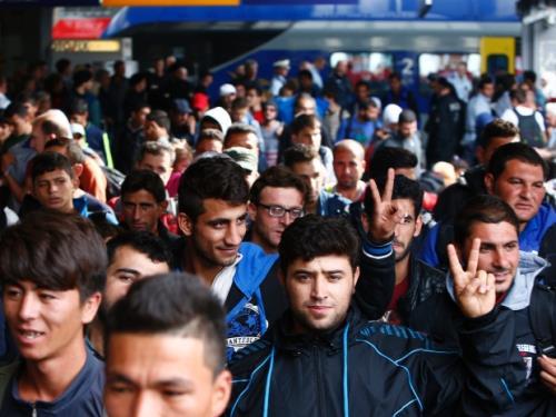 Khủng hoảng di cư: Dòng người nhập cư làm nước Đức lao đao. Ảnh: cbc.ca