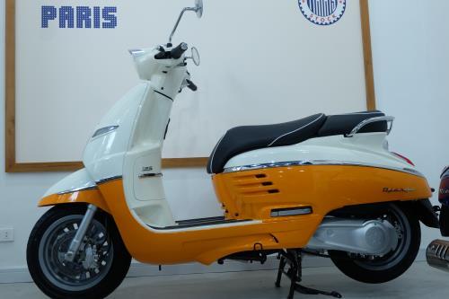 Peugeot Scooters đến tay những khách hàng đầu tiên tại Việt Nam 3