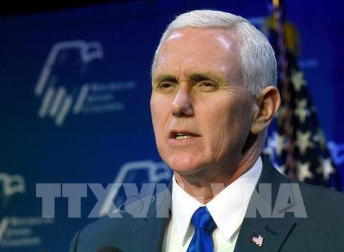 Phó Tổng thống Mỹ Mike Pence tự cách ly sau khi 1 trợ lý dương tính với SARV-CoV-2