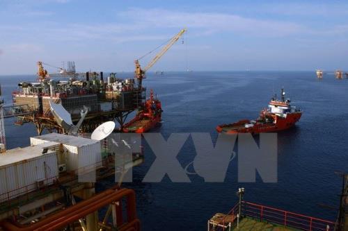 Giá dầu châu Á tiếp tục giảm trong phiên 25/6
