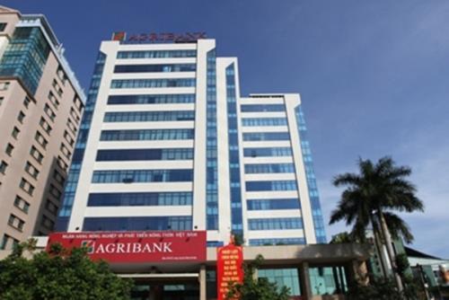 Agribank tiếp tục giảm phí dịch vụ giao dịch liên ngân hàng