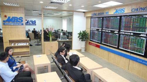 Nhà đầu tư chốt lời khiến chỉ số chứng khoán sáng 27/4 quay đầu giảm