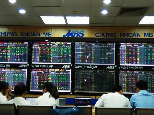 Câu chuyện phía sau những cổ phiếu tăng, giảm mạnh nhất mùa dịch COVID-19