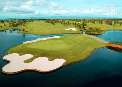 [Image: 204229_anh-golf2.jpg]