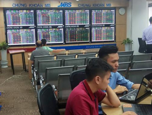 Thị trường chứng khoán sáng 10/8: Đà tăng tiếp tục được duy trì