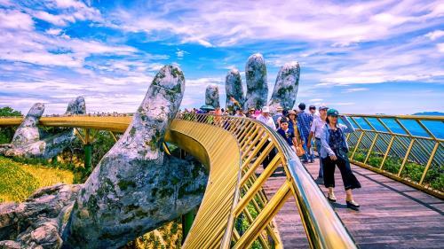 cây cầu vàng ở Bà Nà