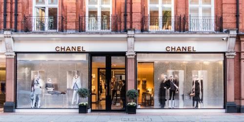 Anh: Doanh số bán lẻ phục hồi trong tháng 8/2020
