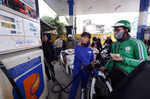 Quỹ bình ổn giá xăng dầu của Petrolimex tiếp tục tăng 245 tỷ đồng