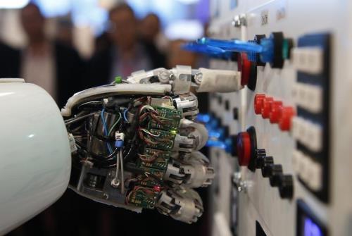 Italy hy vọng AI giúp phục hồi kinh tế hậu đại dịch COVID-19