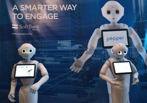 Nam Phi giảng dạy kiến thức về robot trong trường phổ thông