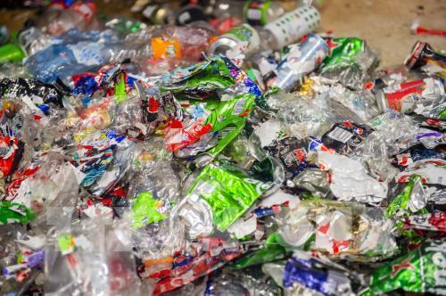 Sri Lanka tái chế rác thải nhựa để làm đường cao tốc
