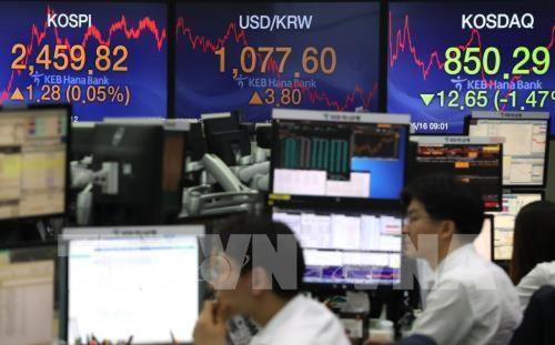 Các thị trường chứng khoán châu Á đều tăng điểm phiên 18/5