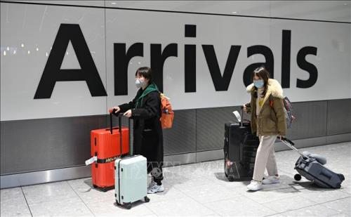 Người nước ngoài nhập cảnh vào Anh phải tự cách ly 14 ngày