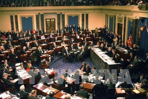 Thượng viện Mỹ bất đồng về dự luật cứu trợ 1.000 tỷ USD
