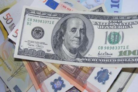Đồng USD chịu sức ép do Fed chưa tăng lãi suất