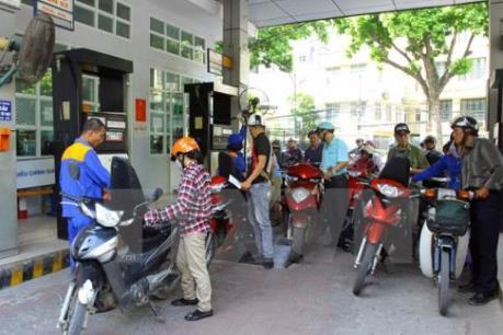 Bình Phước: Gần 1.000 lít xăng bị rò rỉ, gây nguy hiểm cho người dân