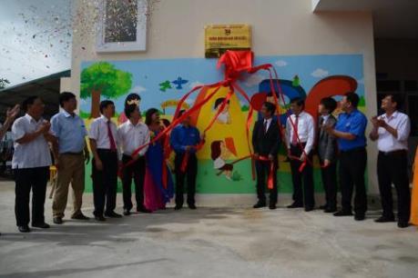 Canon hưởng ứng Ngày hội đưa trẻ đến trường tại Việt Nam