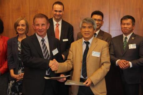 Việt Nam và Australia hợp tác đào tạo về khoa học và công nghệ
