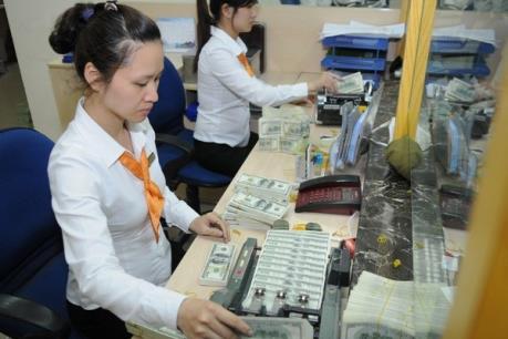 Điều chỉnh lãi suất tiền gửi bằng USD: Giảm áp lực cung-cầu ngoại tệ