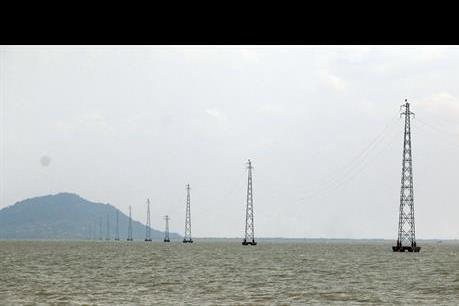 Khởi công dự án cấp điện cho xã đảo Hòn Nghệ