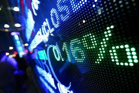 Cổ phiếu Vinamilk, FPT quay đầu giảm điểm