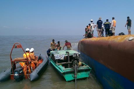 Đã tiếp cận được vị trí tàu chìm trên sông Soài Rạp