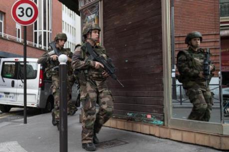 Khủng bố ở Paris: Nga được đặt trong tình trạng báo động cao