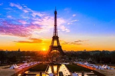 Ngành du lịch Paris dần hồi phục sau vụ khủng bố