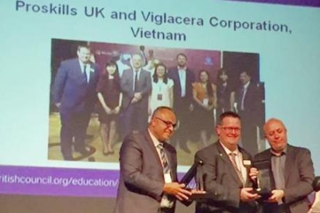 """Viglacera nhận giải """"Chương trình hợp tác đối tác quốc tế xuất sắc của năm"""""""