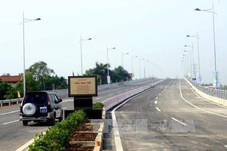 Phó Thủ tướng yêu cầu rà soát dự án xây dựng cầu Hạc Trì (Phú Thọ)