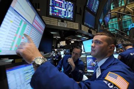 Chứng khoán châu Âu đi xuống, thị trường Phố Wall hồi phục